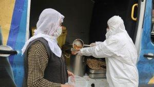 Yüreğir'de her gün 2 bin 511 aileye sıcak yemek