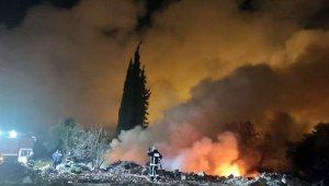 Antalya'da katı atık yangınında gökyüzü dumanla kaplandı