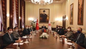 Bakan Gül, AB Türkiye Delegasyonu Başkanı Landrut'u kabul etti