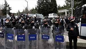 Boğaziçi Üniversitesi eylemcilerinden 30'u tutuklama talebiyle mahkemeye sevk edildi