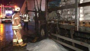Kuzey Marmara Otoyolunda kimyasal yüklü kamyon alev alev yandı