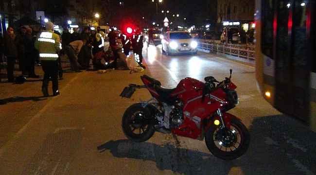 Motosikletle bisiklet çarpıştı: 3 yaralı - Bursa Haberleri