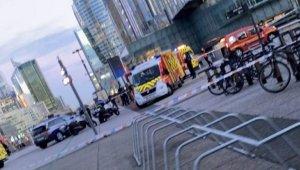 Paris'te evsiz adam çaldığı kamyonetle kalabalığa daldı: 1 ölü, 1 yaralı