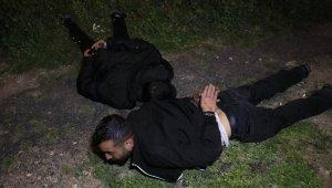 Polisten kaçan otomobil hafif ticari araca çarptı: 2 yaralı