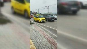 Ters şeride giren şoför trafiği birbirine kattı - Bursa Haberleri