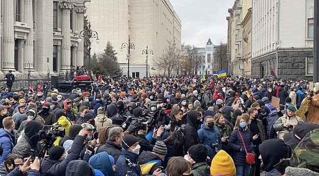Ukrayna'da aktiviste verilen hapis cezası protestoları devam ediyor