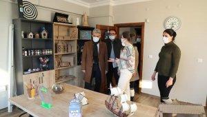 Vali Makas, Yeşilay Danışmanlık Merkezini ziyaret etti