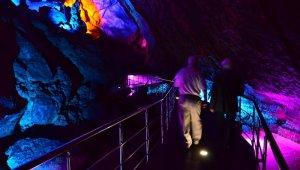 29 yıldır mağaraların gizemli dünyasını araştırıyor