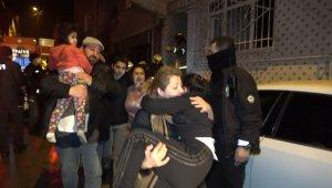 3 katlı apartmanda korkutan yangın: 5'i çocuk 8 kişi dumandan etkilendi