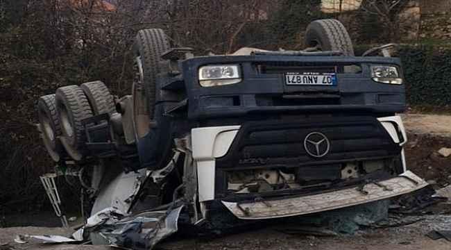 Alanya'da beton mikseri devrildi: 1 ölü