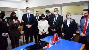 Bakan Selçuk'tan Arnavutluk'taki okullara ziyaret