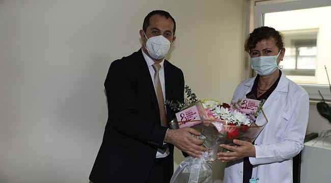 Başkan Ekim Kadınlar Günü'nde bayan sağlık çalışanlarını unutmadı