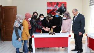 Başkan Mustafa Çay'dan kadınlara pastalı kutlama