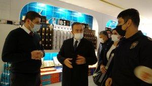 Beyoğlu Kaymakamı Mustafa Demirelli restoranları tek tek denetledi
