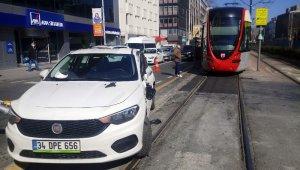 Beyoğlu'nda tramvay yolunda kaza