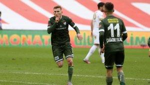 Burak Kapacak, Bursaspor'un 10 golüne doğrudan etki yaptı - Bursa Haberleri