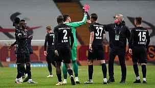 DG Sivasspor, Süper Lig tarihinde ilk kez Galatasaray deplasmanında puan aldı