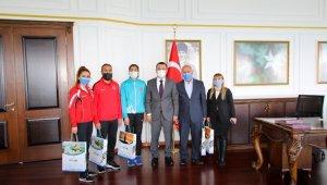 Dünya rekoru kıran sporcudan Kaymakam Türkman'a ziyaret