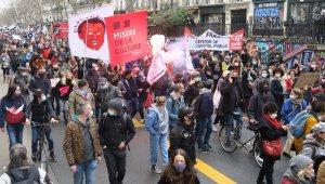 Fransa'da kültür sektörü çalışanları yeniden sokakta