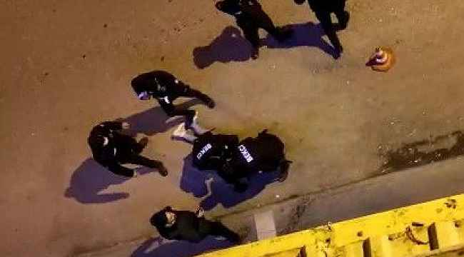 Hırsızlık şüphelisi 2 şahıs polisten kaçamadı