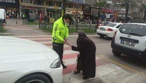 Kadınlar Günü'nde trafik, 83 yaşındaki Firdevs teyze için durdu - Bursa Haberleri