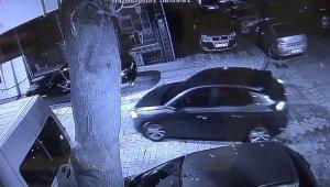 Kar maskeli oto hırsızlığı kamerada