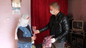 Kaymakam Yelek'ten 79 yaşındaki Binefş nineye Kadınlar Günü'nde ziyaret