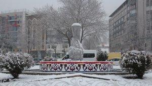 Kütahya mart ayını karla karşıladı