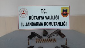 Kütahya'da kaçak silah ticaretine geçit yok