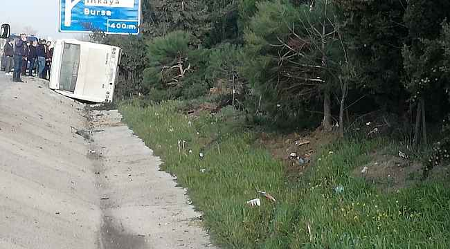 Lastiği patlayan otobüs devrildi: 18 yaralı - Bursa Haberleri