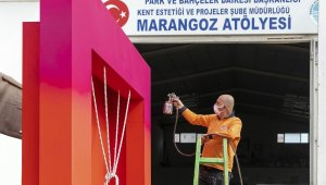 Marangozhanede kadınlar için figürler üretiliyor