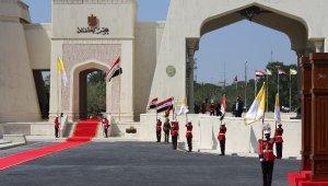 Papa Francis, Bağdat'ta resmi törenle karşılandı