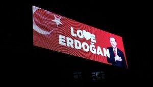 """""""Stop Erdoğan"""" skandalına Elazığ'dan """"Love Erdoğan"""" yanıtı"""