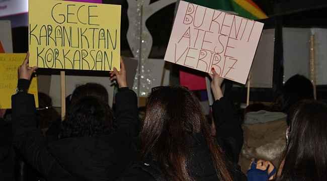 Samsun'da kadınlar kadın cinayetleri ve şiddete tepki için yürüdü