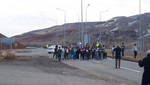 Tuzluca'da öğrenciler arası koşu yarışması düzenlendi