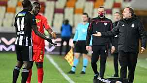 Vincent Aboubakar, Yeni Malatyaspor maçında oyundan alınmasına tepki gösterdi