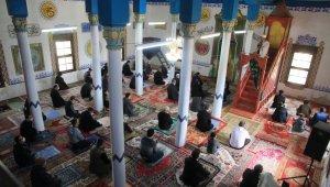 6 asırlık Cevher Paşa Cami yeniden ibadete açıldı