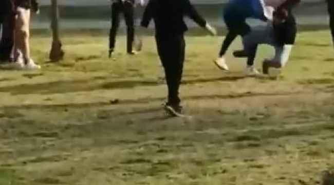 Antalya'da parkta tekmeli sopalı kavga