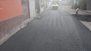 Bağlar'daki Dericiler Sitesi 20 yıl sonra asfaltlandı