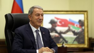Bakan Akar, Azerbaycan Savunma Bakanı Hasanov ile görüştü