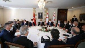 Bakan Çavuşoğlu, KKTC'de siyasi parti liderleri ile görüştü