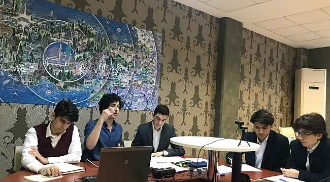 Bakan Selçuk, Uluslararası Arapça Münazaraları'nda 1'inci olan öğrencileri kutladı