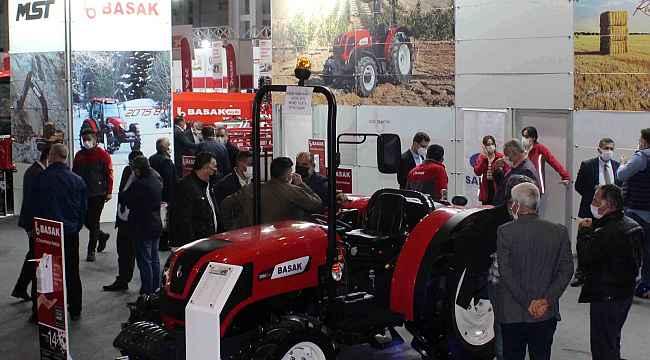 Başak Traktör ve MST İş Makineleri GAP Tarım Fuarı'nda