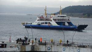 Bozcaada'ya feribot seferleri yapılamıyor