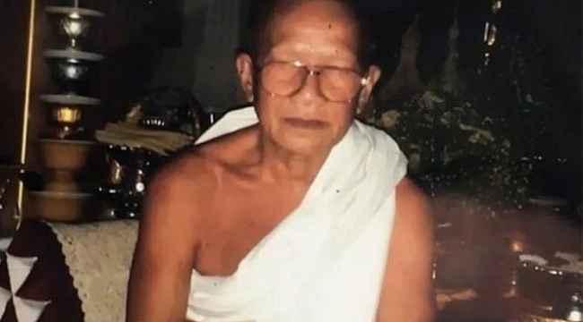 Buda'ya kendini adayan adam, giyotinle kafasını kesti