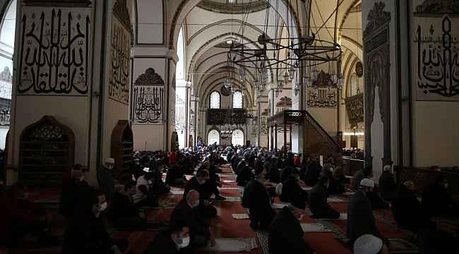 Bursa Ulucami'de Ramazan'ın ilk cuma namazı kılındı - Bursa Haberleri
