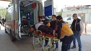 Bursa'da taşıdığı malzemelerin altında kalan işçi yaralandı - Bursa Haberleri