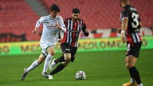 Bursaspor bu sezon ilk kez 4 gol yedi - Bursa Haberleri