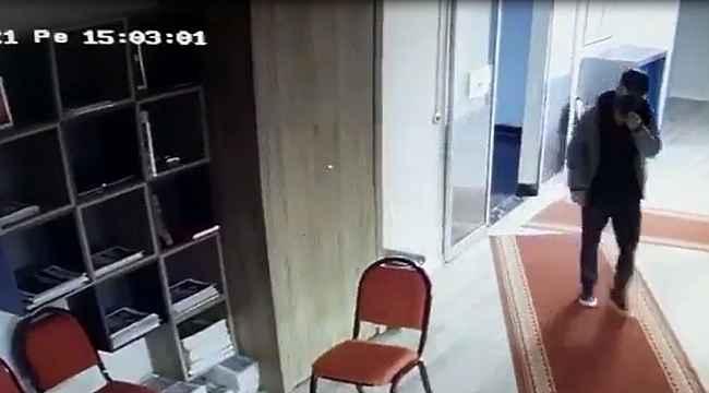 CHP İl Binasında sekreterin cüzdanını çalan zanlı güvenlik kamerasına yakalandı