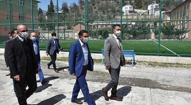 Demir, Çamlıyayla'daki spor tesislerinde incelemelerde bulundu